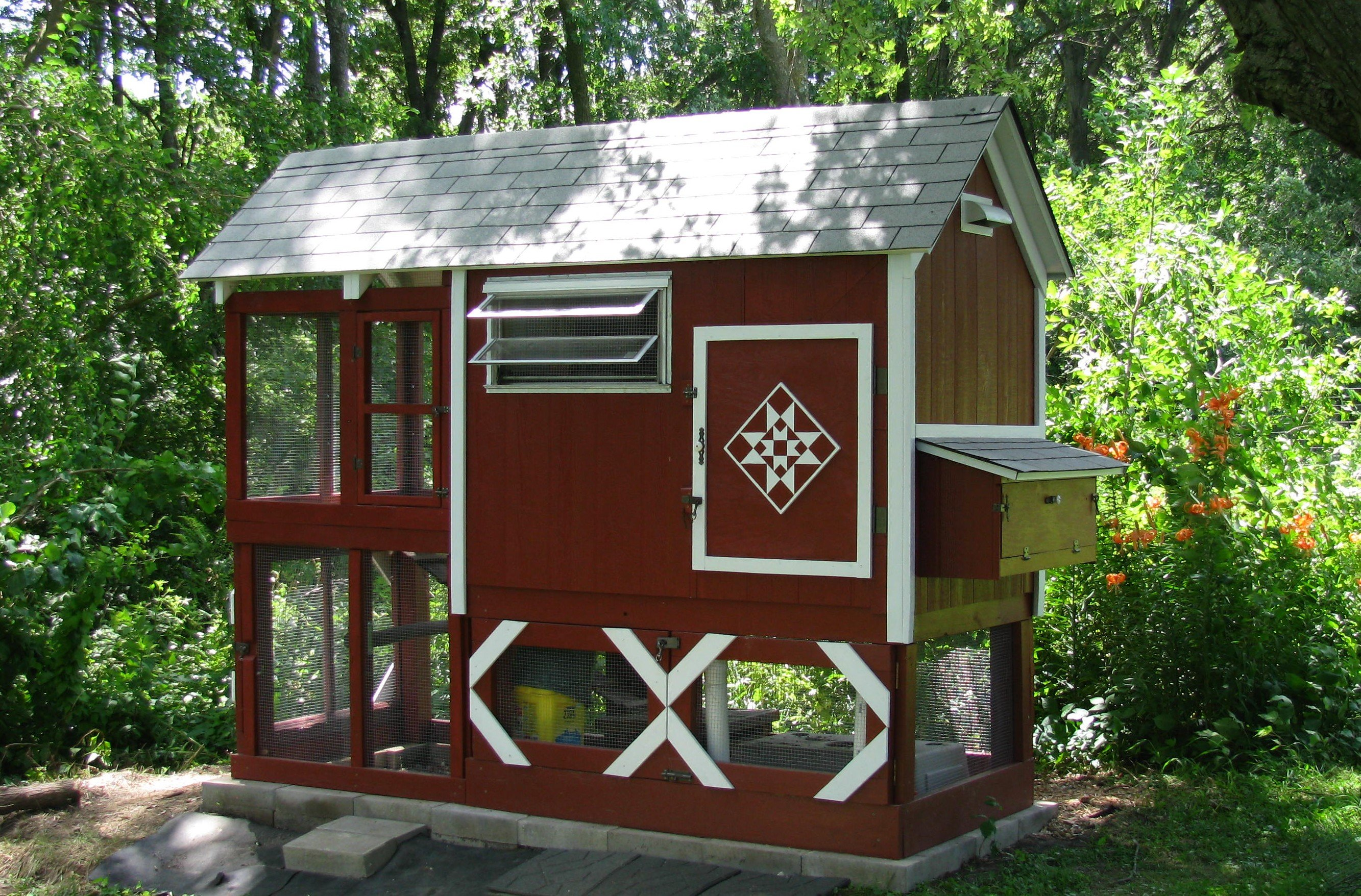 beautiful small chicken coop